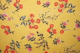Tkanina wiskozowa - kwiaty na żółtym tle