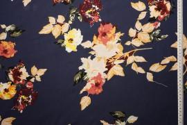 Tkanina wiskozowa - duże kwiaty na granatowym tle