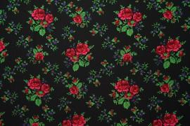 Tkanina regionalna w duże róże na czarnym tle