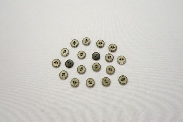 Guzik o numerze 2437, 10 mm
