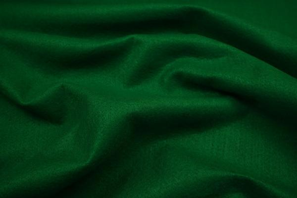 Filc w kolorze ciemnozielonym o grubości 1,5 mm