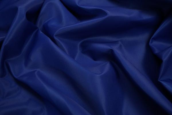 Tkanina ogrodowa w kolorze chabrowym - fale
