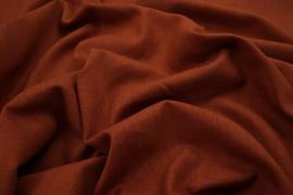 Len z wiskozą w czerwonobrązowym kolorze