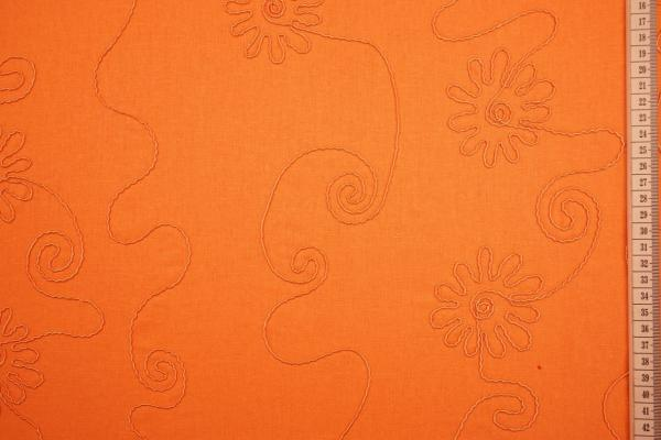Len z wiskozą haftowany w kolorze pomarańczowym