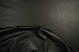 Lama w czarnym matowym kolorze