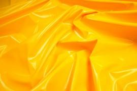Lama w kolorze żółtym