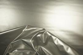 Latex w kolorze srebrnym