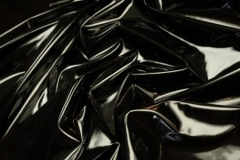 Latex w kolorze czarnym