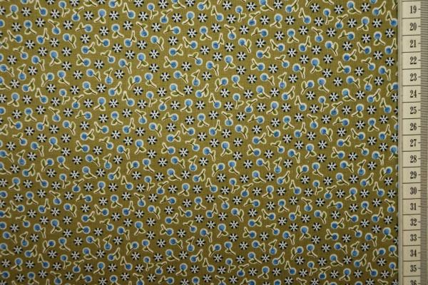 Bawełna drukowana w kolorze oliwkowym w niebieskie wisienki