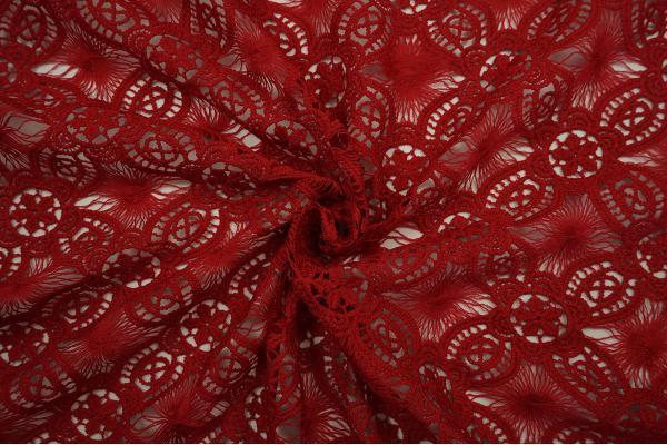 Gipiura w kolorze czerwonym - zwinięta
