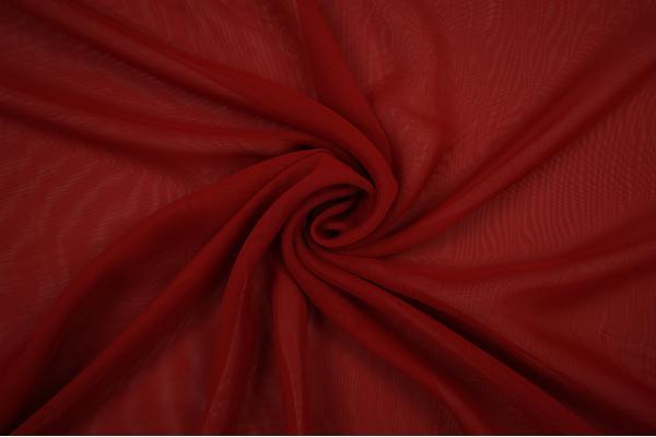 Szyfon w kolorze ciemnoczerwonym