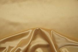 Satyna jedwabna w kolorze beżowym