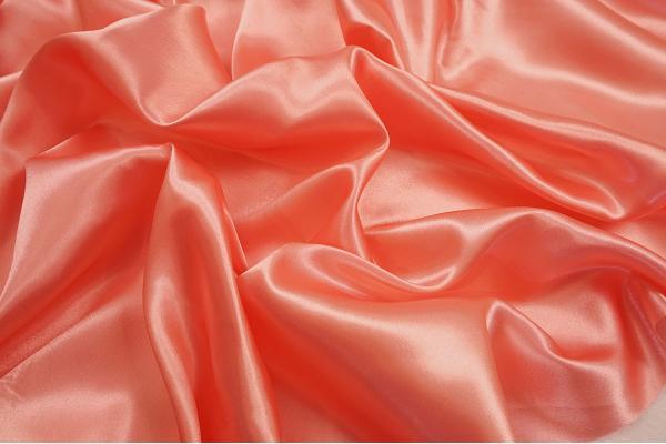 Satyna jedwabna w kolorze łososiowym