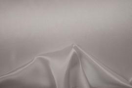 Satyna jedwabna w kolorze białym