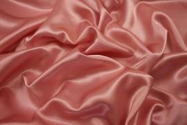 Satyna żorżeta w kolorze brudnego różu
