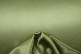 Satyna lycra w kolorze jasnooliwkowym