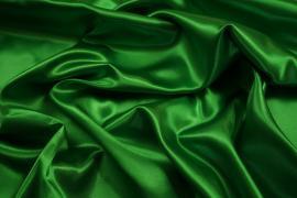 Satyna w kolorze zielonym