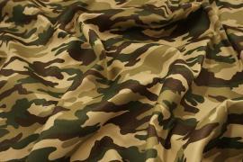 Tkanina kamuflażowa w kolorze brązowym, beżowym i zielonym