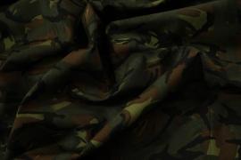 Tkanina kamuflażowa o splocie rip-stop w odcieniach zieleni i brązu