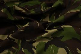 Tkanina kamuflażowa w odcieniach zieleni, brązu i czerni o splocie rip-stop