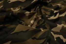 Tkanina poliestrowa w militarnym wzorze