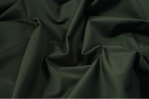 Tkanina kamuflażowa w kolorze zielonym