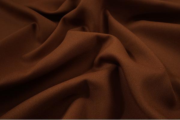 Tkania żorżeta w kolorze brązowym