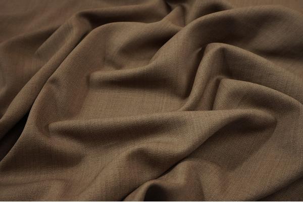 Tkanina sukienkowa z domieszką lycry i wiskozy w kolorze jasnobrązowym