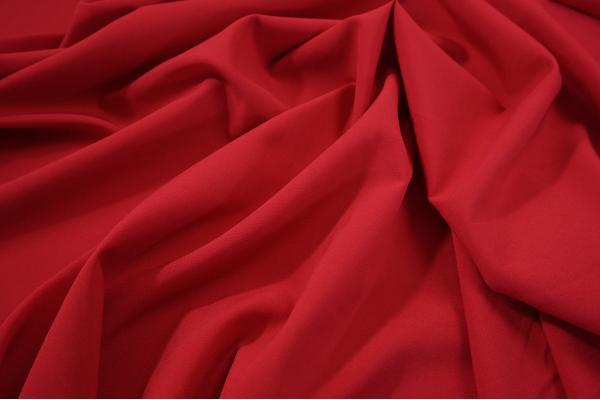 Tkanina sukienkowa z dodatkiem lycry w kolorze czerwonym