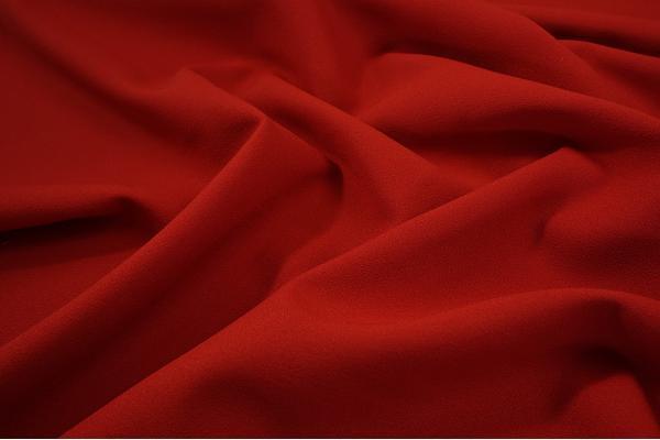 Tkanina sukienkowa - żorżeta w kolorze czerwonym