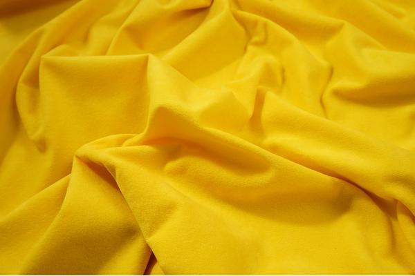 Tkanina welurowa w kolorze żółtym