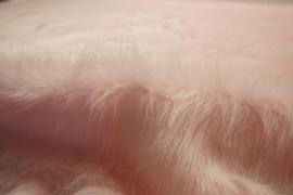Futro w kolorze pudrowego różu