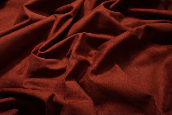 Tkanina tapicerska w kolorze ciemnoceglastym