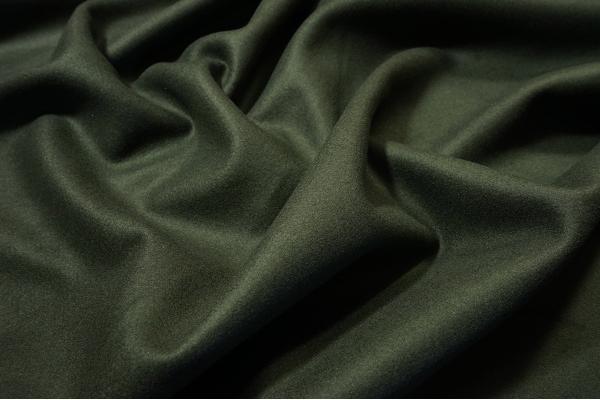 Tkanina wełniana w kolorze oliwkowym