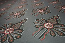 Filc drukowany w parzenice na stalowym tle