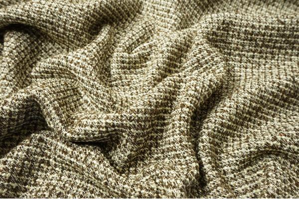 Tkanina wełniana w kolorze brązowym i ecru