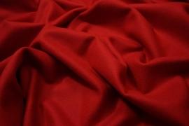 Wełna w kolorze czerwonym