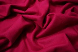 Wełna w kolorze fuksji