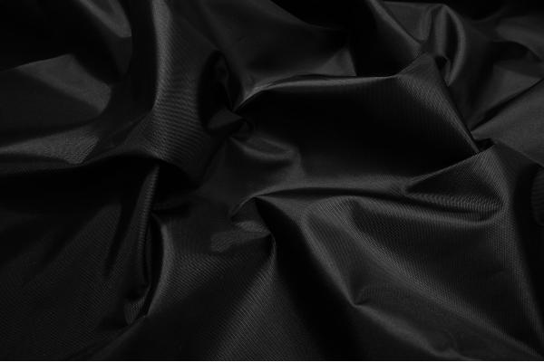 Ortalion w kolorze czarnym