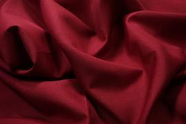 Tkanina obrusowa w kolorze bordowym