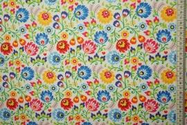 Tkanina regionalna w kolorowe kwiaty