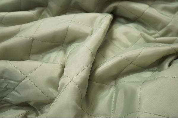 Podszewka pikowana w kolorze szaro-zielonym