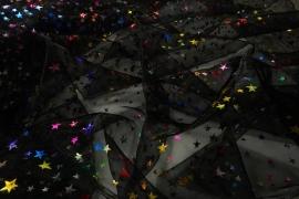 Organtyna w kolorze czarnym w kolorowe gwiazdki