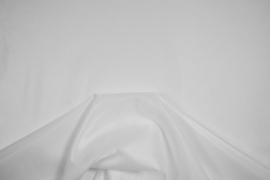 Podszewka w kolorze białym