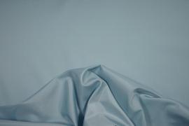 Podszewka w kolorze jasnoturkusowym