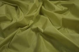 Podszewka w kolorze oliwkowym