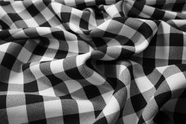 Tkanina dekoracyjna - kratka czarna duża