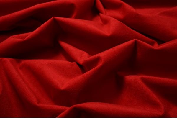 Tkanina welurowa w kolorze czerwonym