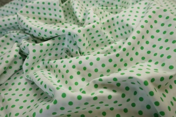 Bawełna - białe tło, zielone kropki 5 mm
